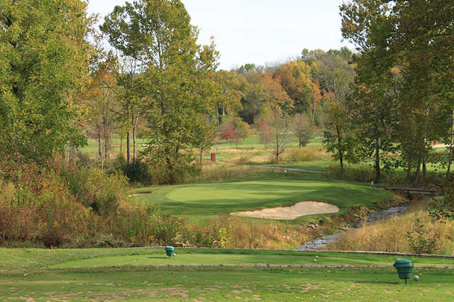 A fall day view of a tee at Elks Run Golf Club.