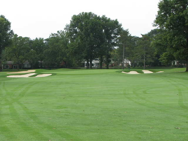 A view of the 2nd green protected by bunkers at Scarlet at Ohio State University Golf Course