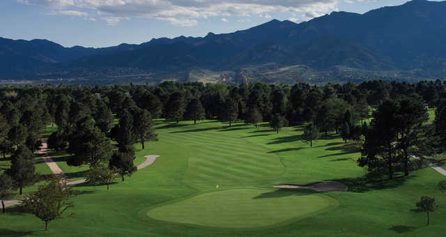 A view of a green at Garden of the Gods Club.