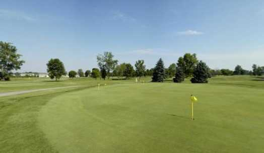 A view of the practice putting green situated near the clubhouse at Shamrock Golf Club