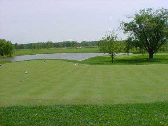 A view of the practice putting green at Clover Valley Golf Club