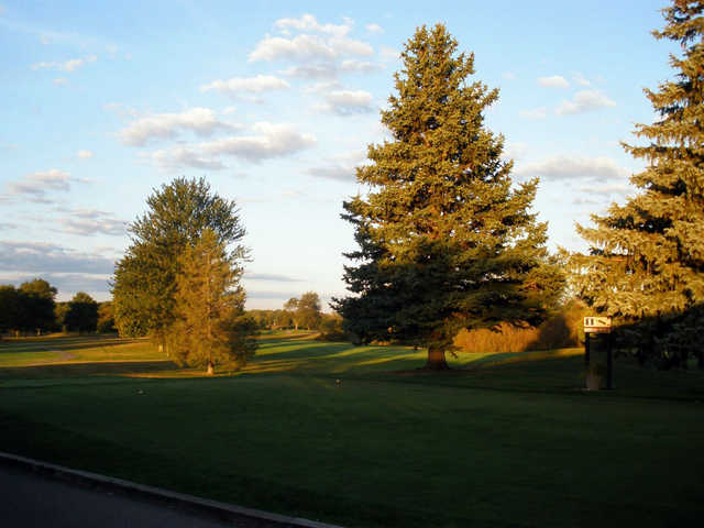 A view of tee #1 at Brae Burn Golf Club.