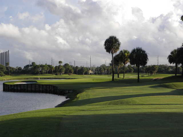 View of the 14th green at Jacksonville Beach Golf Club