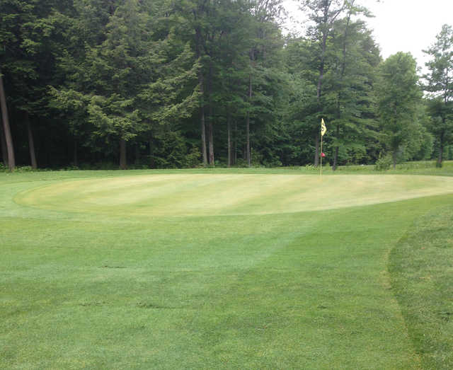 View of a green at Beechwood Golf Club