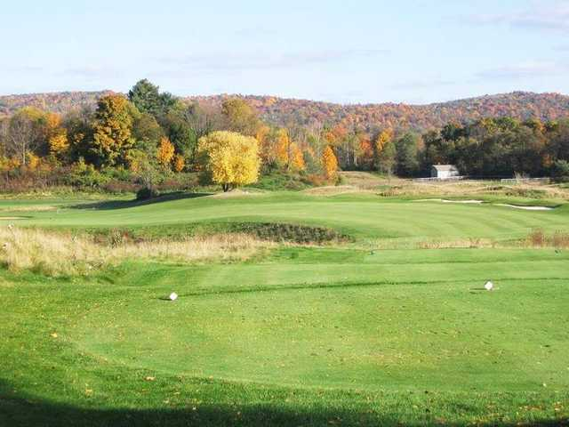A fall day view of a tee from Links at Hiawatha Landing.