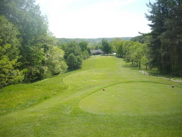 A view of the 18th hole at Hocking Hills Golf Club & Urban Grille