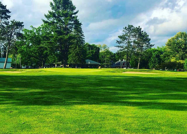 A view of the 18th green at Cadillac Country Club.