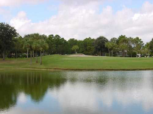 A view of the 7th green at River Hills Country Club
