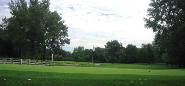 A view of a green at Scherwood Golf.