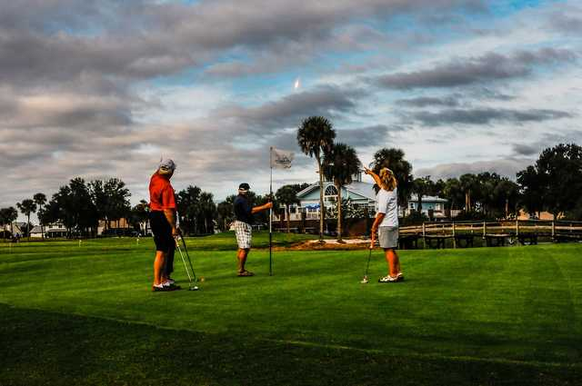 Play golf and watch a SpaceX rocket launch at the same time