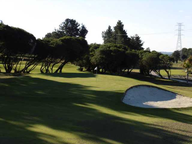 A view of the 4th green at Boomerang Public Golf Course.