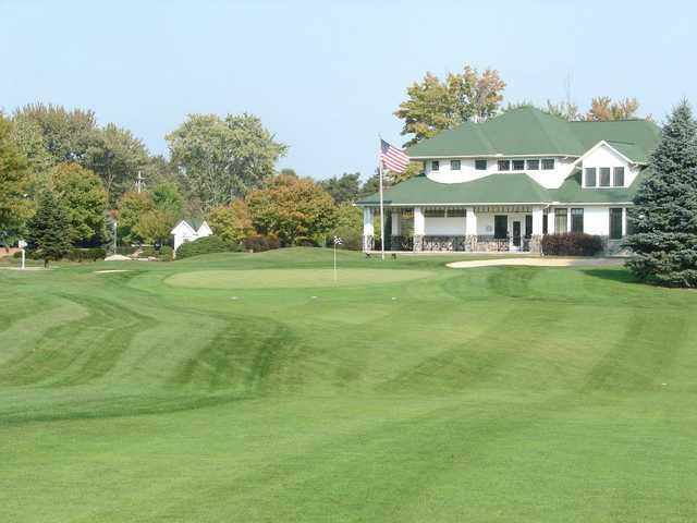 A view of the 9th hole at North Olmsted Golf Club.