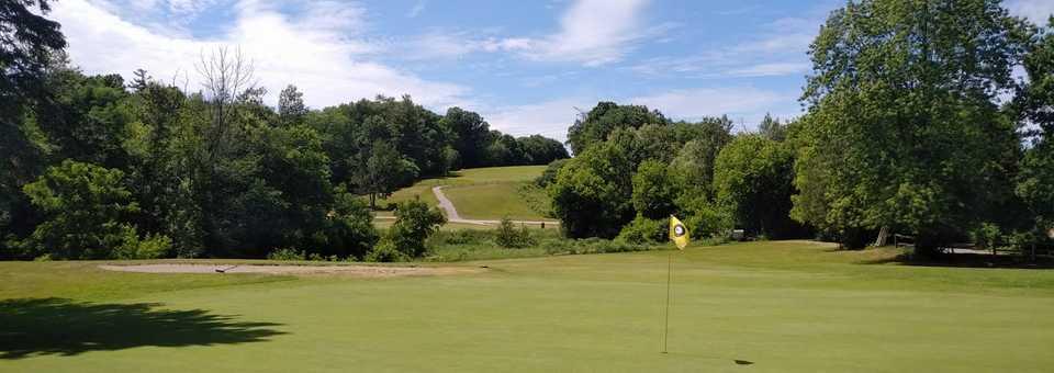 Uplands Golf & Ski Club