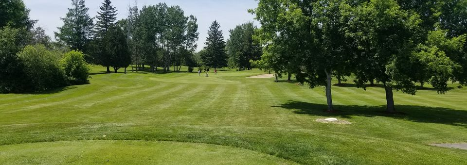 Thunderbird Sports Centre - Thunderbird Golf Course