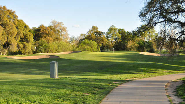 Haggin Oaks Golf Complex - Alister MacKenzie