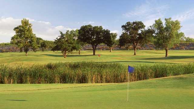 Lake Park 9 Golf Club