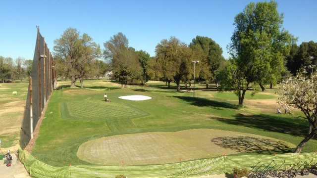 Van Nuys Golf Course - 18-Hole Par-3